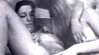 GIRL/GIRL Peepshow Loops 24 50s to 70s - Scene two