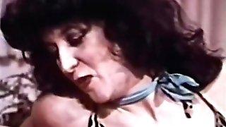Sapphic Peepshow Loops 627 70s And 80s - Scene 1