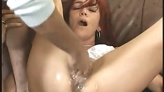 Gross mummy going knuckle deep and squirting