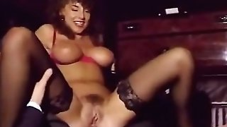 Sarah Youthfull - hump in the limo